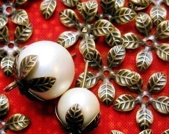 Leaf Bead Cap, Antique Brass, Flexible Leaf Beadcap, bronze leaf beadcap, bohemian, vintage style bead cap, leaf spacer