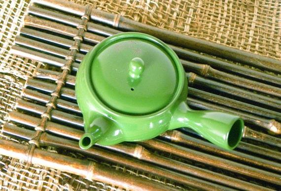 JAPANESE GREEN TEA - Green Teapot
