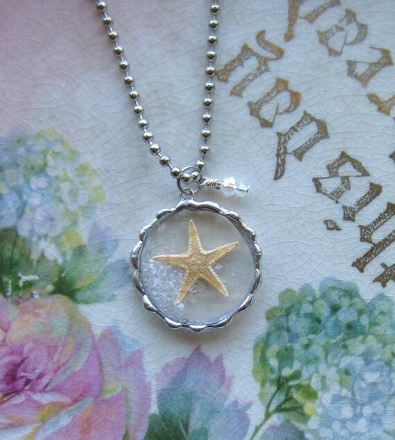 Vintage Pocket Watch Crystal - Starfish - Day at the Beach - Ocean - Sea- Sand - Keepsake Memory Pendant -  Vacation Keepsake -