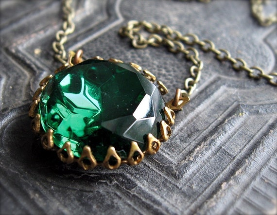 Bella in Emerald, Necklace with Faceted Glass Jewel