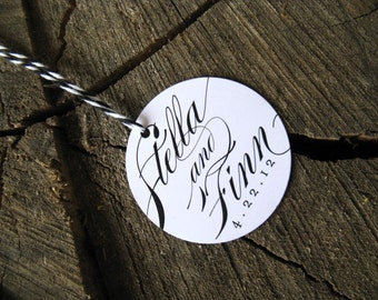Calligraphic Wedding Favor Tags - Round Thank you tags - Circle Wedding Gift Tags -Bridal Shower Tags - Set of 50