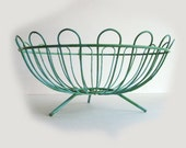 Sale - Wonderful VINTAGE WIRE BASKET in Shabby French Green - 1940's metal basket for fruit or other stuff WoW
