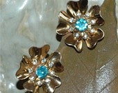 Vintage Gold Flower Screw-on earrings