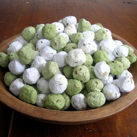 Seed Bombs - PDF TUTORIAL - How to make your own plantable seed paper balls - Do it yourself - Garden wedding, Ecofriendly DIY wedding favor