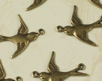 6 Brass Ox Sparrow Bird Charms Jewelry Findings 503