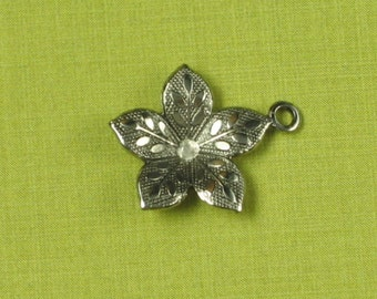 12 Antique Silver Plated Flower Charms Jewelry Finding 597