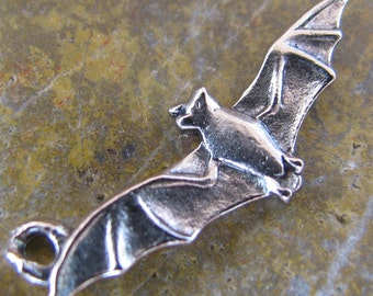 6 Antique Silver Bat Pewter Charm Jewelry Findings H03