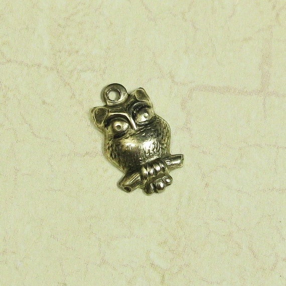 12 Antique Silver Tiny Owl Bird Charms Jewelry Findings 802