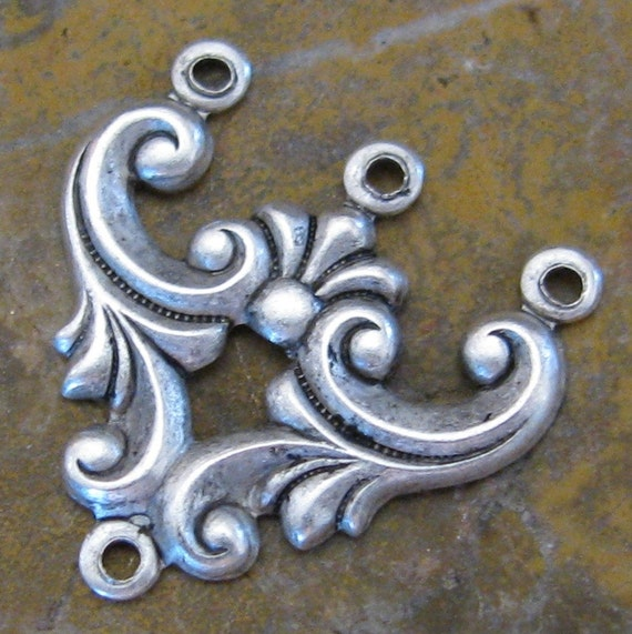6 Antique Silver Jewelry Findings 3 to 1 Ring Connectors 664