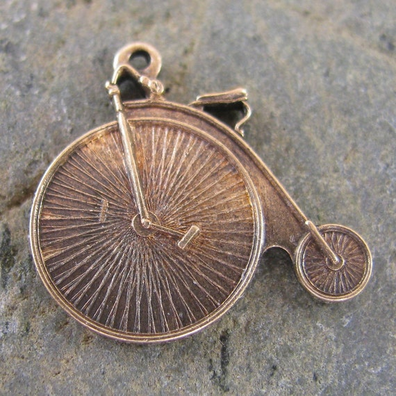 6 Antiqued Brass Old Fashioned Bicycle Charms 1214