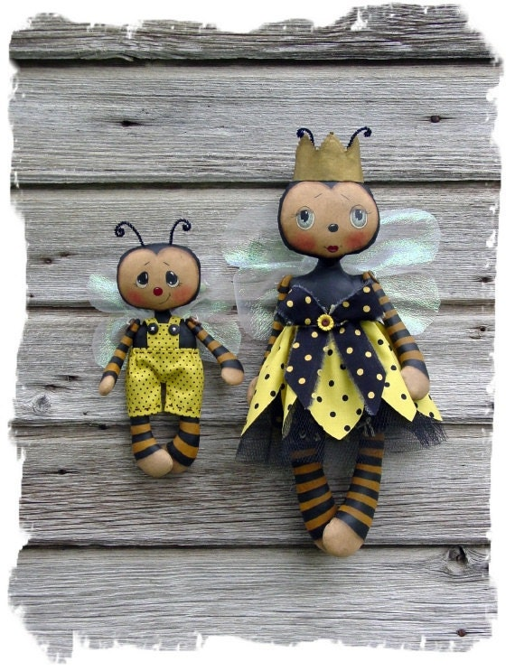 CF271 Queenie Bee & Lil' Bumbles - PDF ePattern Cloth Bee Dolls