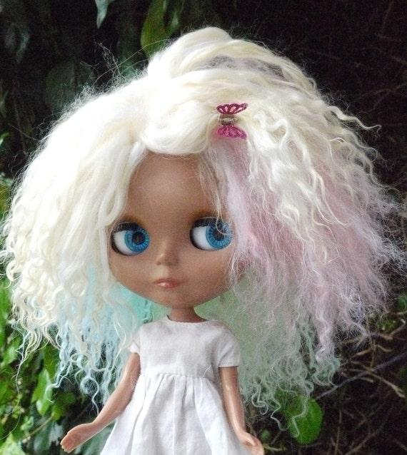 bLYTHE wig ..or ( SD 10 )