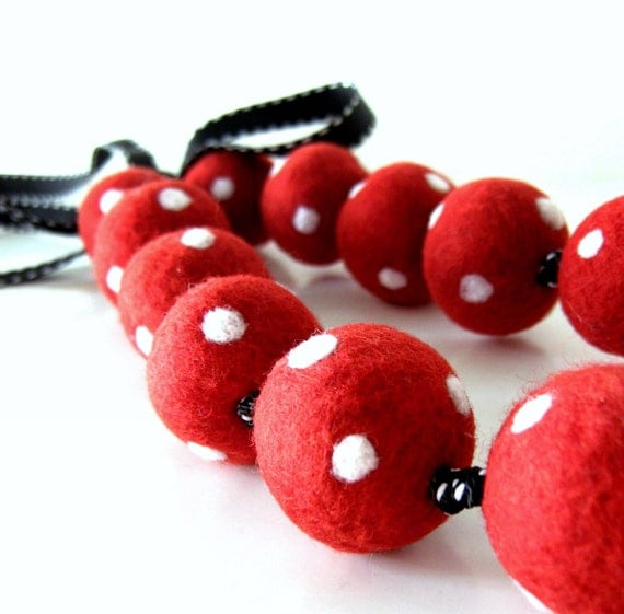 Red and White Polka Dots  Necklace - Wool Felted - 2 WAYS to WEAR it