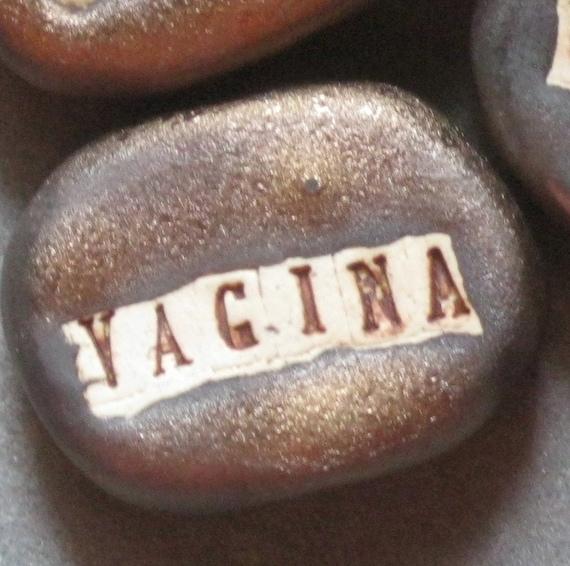 Word Bead: Vagina Black Gold