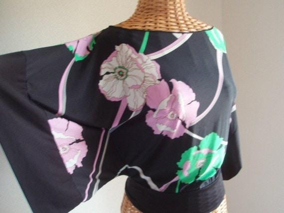 Black Silky Feely Flower Print Kimono Sleeve Top