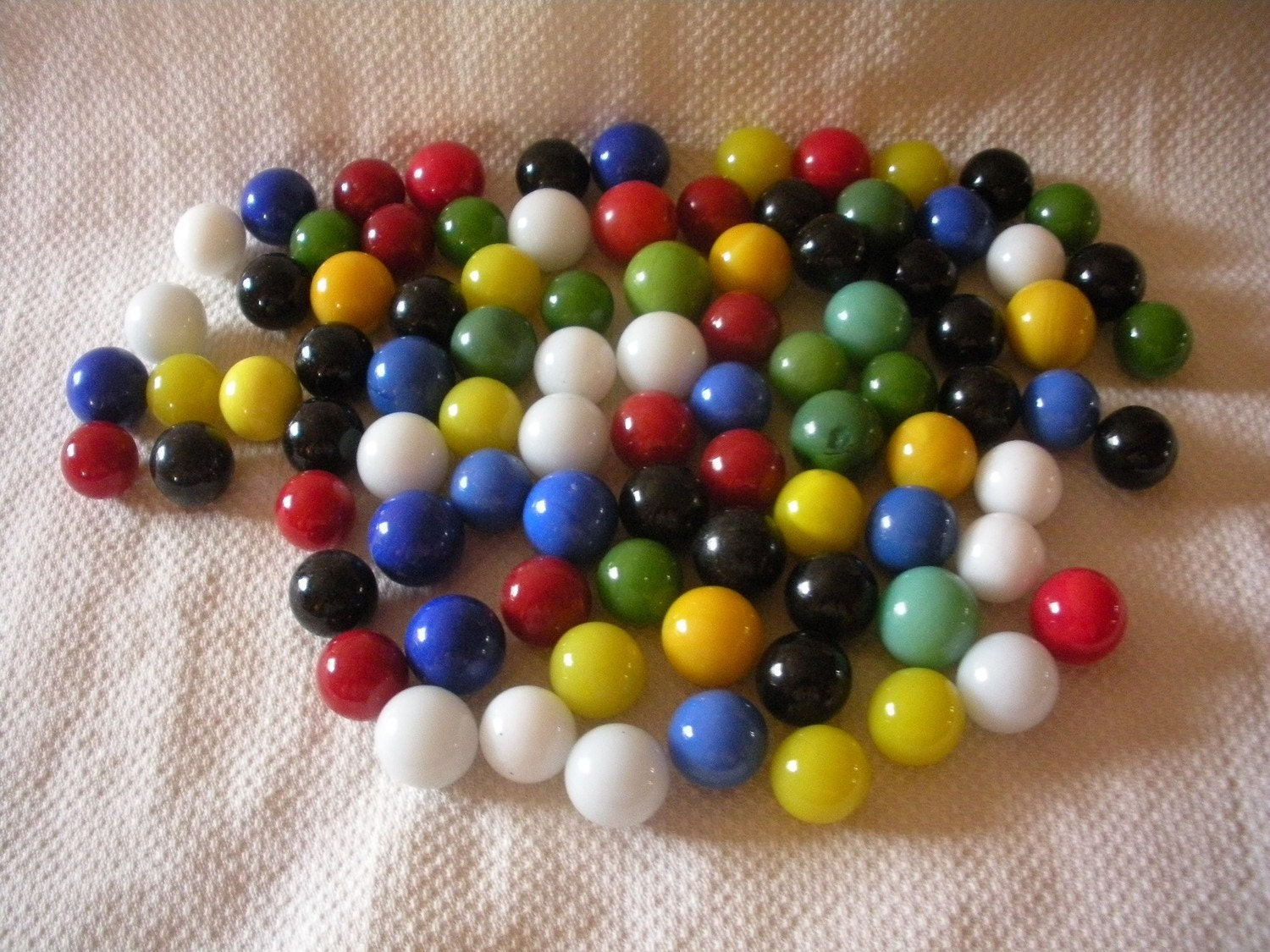 Solid Color Marbles : Solid color marbles