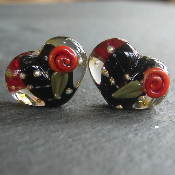 Lampwork beads 540 Hearts Pair (2) Black  with Red Roses