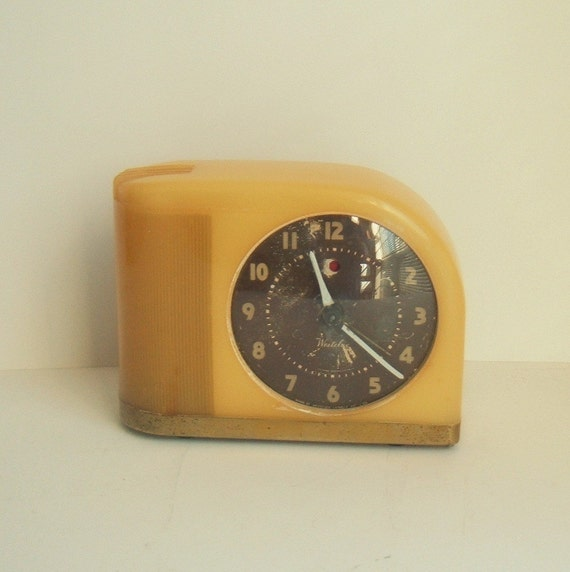 Westclox art deco bakelite moonbeam alarm clock Art deco alarm clocks