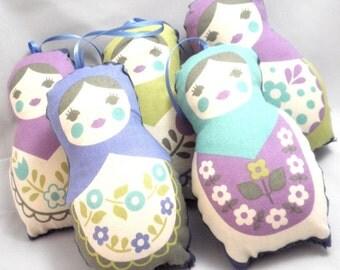 Babushka Ornaments - Cool Christmas Classic Stuffed Matryoshka Dolls - Set of 5