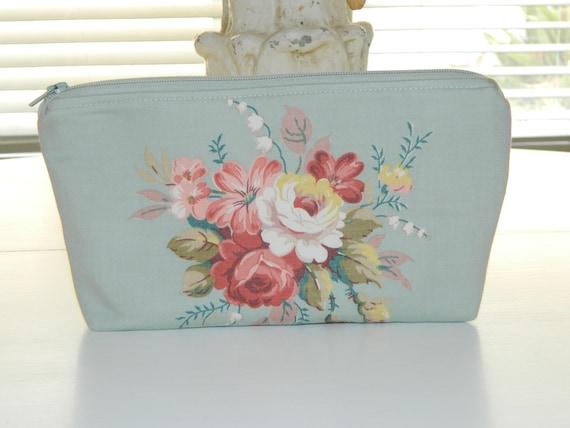 Vintage Cottage Rose Barkcloth Era Fabric Makeup Bag
