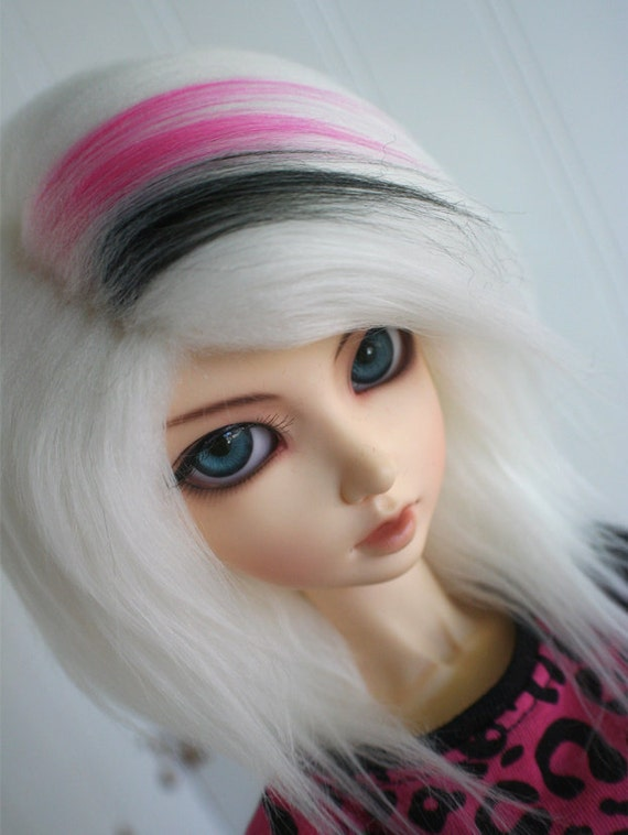 BJD / Dollfie  SD white with hot pink and black streaks FAKE fur wig