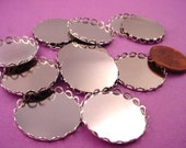 8 Silver tone Round Lace Edge Bezel Cups 22mm