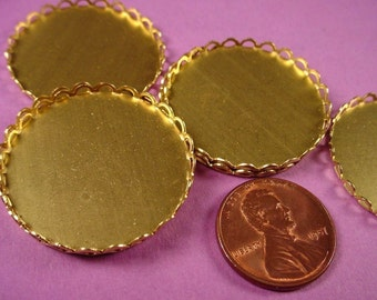 8 Brass Round Lace Edge Bezel Cups 28mm