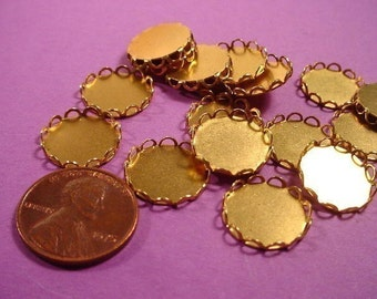 20 Brass Round Lace Edged Bezel Cups 13mm