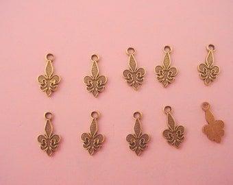 10 brass ox fleur de lis charms 10mm