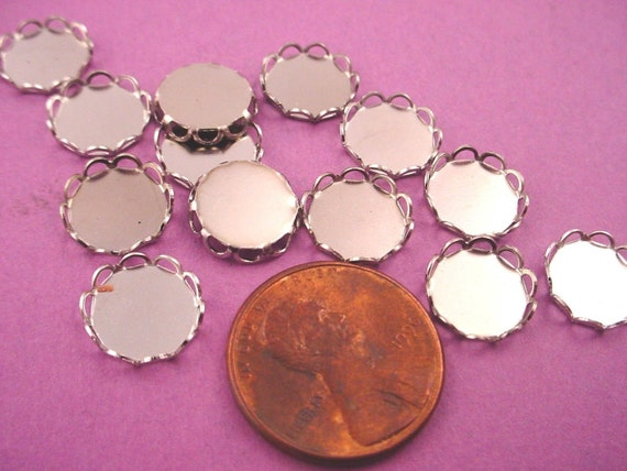 Silver tone Round Lace Edge Bezel Cups 9mm