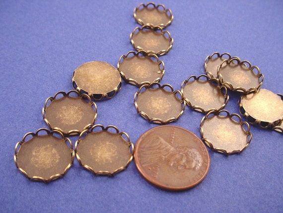 14 Antique Brass, Brass Ox Round Lace Edge Bezel Cups 13mm Cameo Settings Cabochon Settings