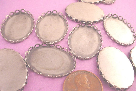 Silver OX Oval Lace Edge Bezel Cups 25x18