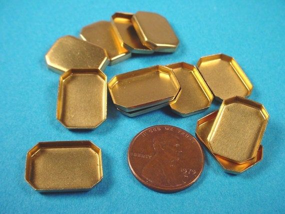 24 Brass Octagon Bezel Cups 18x13
