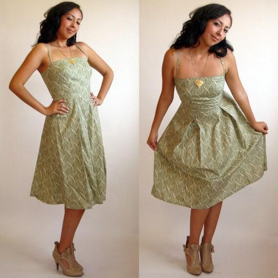 Vintage Green Paisley Print Spaghetti Strap Dress
