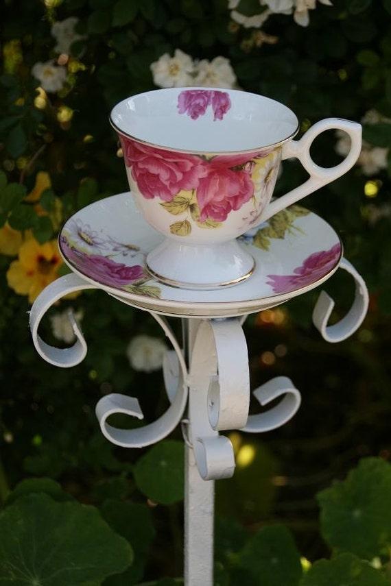 beautiful garden decor tea cup bird feeder on rod iron stand. Black Bedroom Furniture Sets. Home Design Ideas