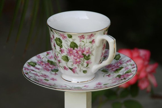 Pink Roses Tea Cup and Saucer Garden Decor Bird Feeder