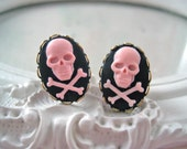 Skull plugs 8mm 0g pirate gauged ears black pink pirate