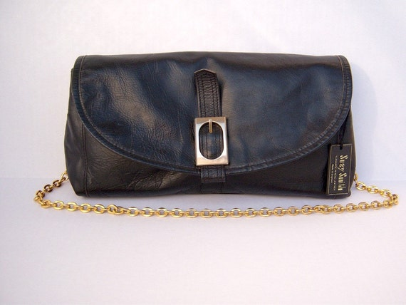 70s black leather shoulder bag / gold chain strap / Suzy Smith / DEADSTOCK