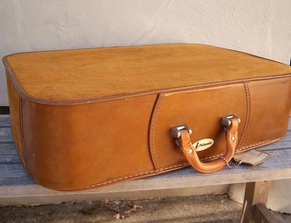 Vintage suitcase / golden caramel CORDUROY / 70s soft case / DREAMY