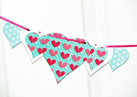 paper hearts, heart garland, valentines day garland, party garland, girls bedroom decor, photo shoot prop