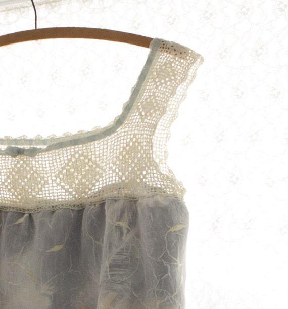 Camisole Top Tank Sleeveless Blouse Vintage Crochet Yoke Silk Blue Feathers