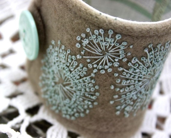 Wrist Cuff Queen Annes Lace in Green Silk Hand Embroidered