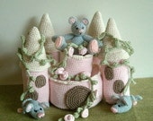 Instant Download - PDF Crochet Pattern - Mice Castle. Availble in English or Swedish.