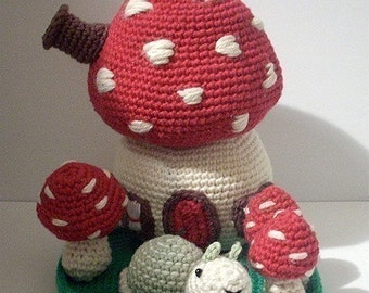 Instant Download - PDF Crochet Pattern - Mushroom House. Availble in English or Swedish.