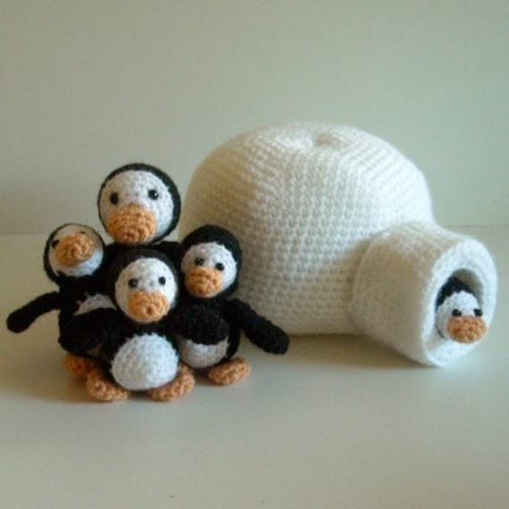 Instant Download - PDF Crochet Pattern - Penguin Family.  Availble in English or Swedish