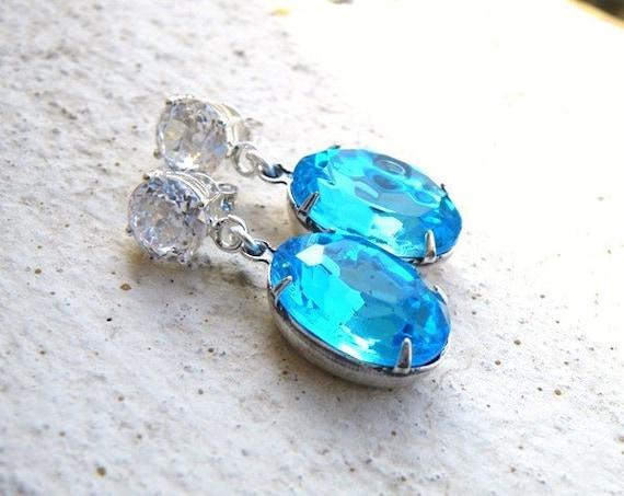 Aqua Earrings Tiffany Blue Stone Rhinestone Silver Stud BE30