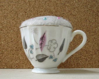 Teeny Cup Pin Cushion Modern Floral