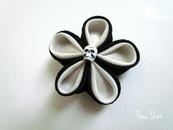 Kanzashi Fabric Flower Clip -  Look At Me Closely