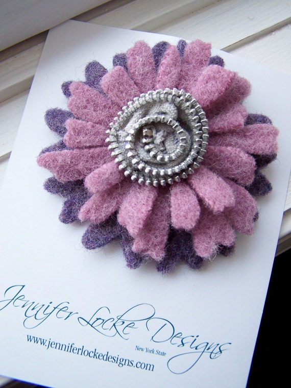 Repurposed Felted Wool Zipper Brooch - Daisy