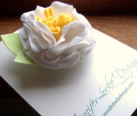 Reclaimed Cotton Brooch - White Peony
